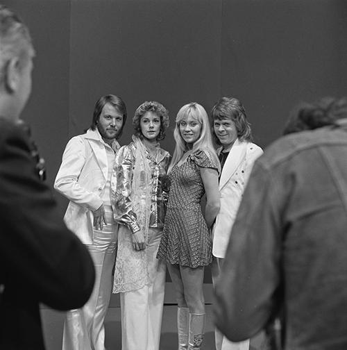ABBA_-_TopPop_1974_7