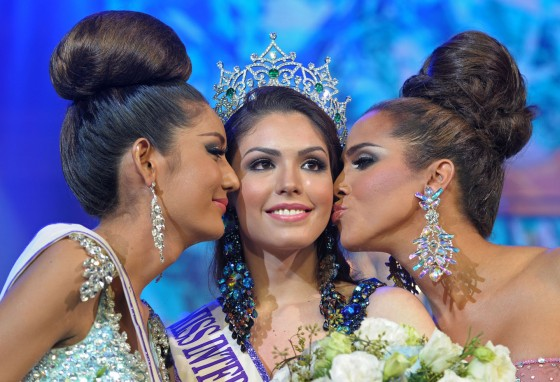 THAILAND-LIFESTYLE-TRANSEXUAL-TOURISM-PAGEANT
