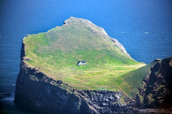 bjork-ellidaey-island-house
