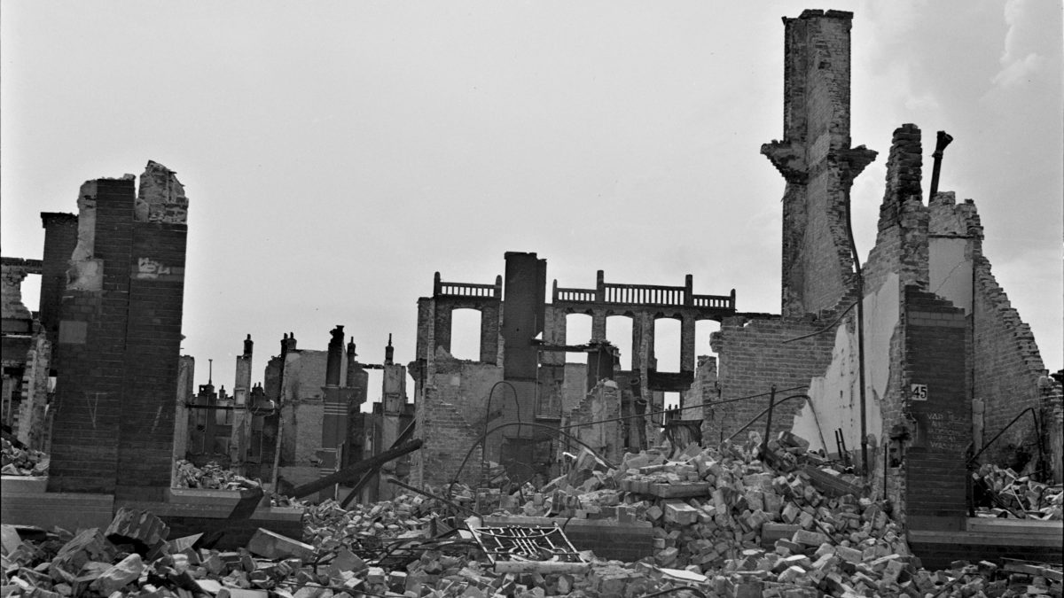Gevolgen_van_het_bombardement_op_het_Bezuidenhout