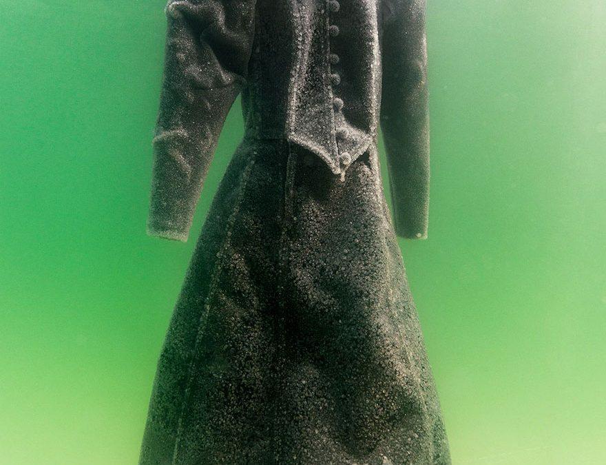 salt-dress-dead-sea-salt-bride-sigalit-landau-6